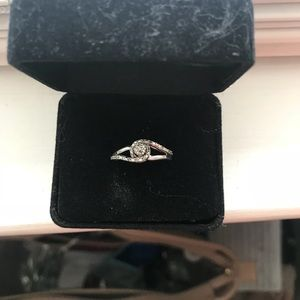 Jewelry - Diamond cut ring, sterling silver, size 5.5